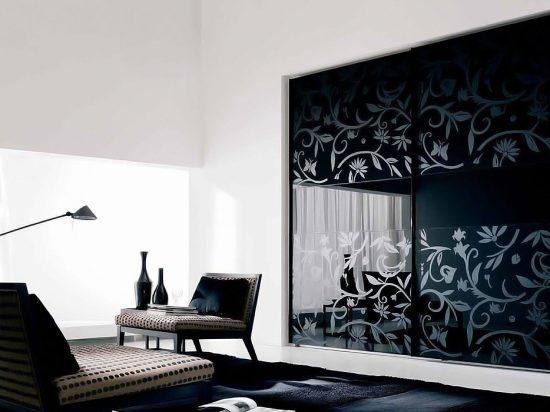 Laminated graphic print& Onyx interlayer laminated glass