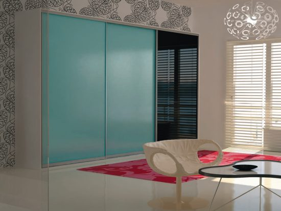 Cyan& Onyx interlayer-laminated glass