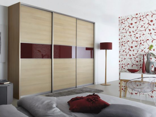 Maple panel& Maroon interlayer-laminated glass