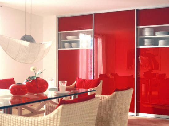 Scarlet interlayer-laminated glass& Starphire Ultra-Clear Glass