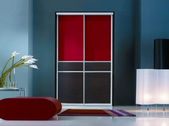 Burgundy interlayer-laminated glass& Espresso panel
